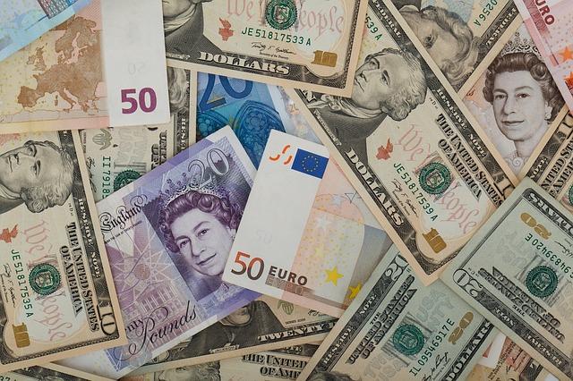 Изображение - Как выбирается валюта для международных кредитов rezerv